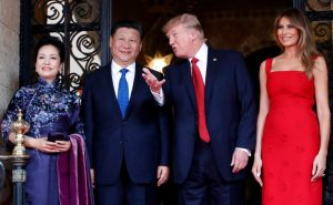 Si Đinping i Donald Tramp (AP)